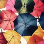 折りたたみ傘と防水スプレーが便利!おすすすめのブランドは?
